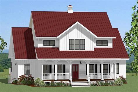 Spacious Farmhouse With Loft