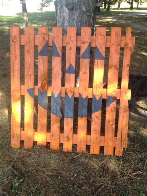 creative fall pallet projects  decorating  home