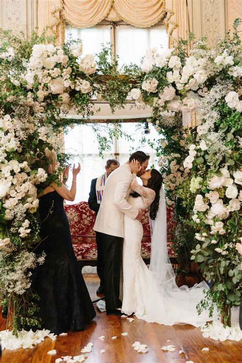 21 Amazing Wedding Arch Altar and Backdrop Ideas for