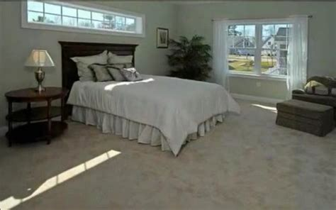 treat transom window  bed