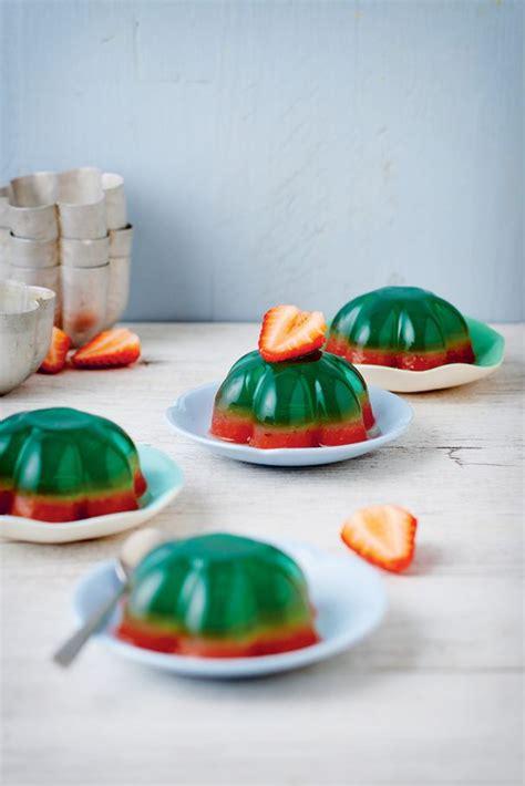 pate a sucre en anglais recettes des g 226 teaux anglais pour un 233 t 233 sucr 233 gel 233 e de fraise fraises et gel 233 e