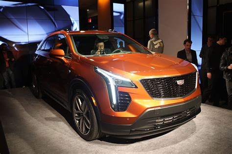 2018 Ny Auto Show Cadillac Reveals Allnew Xt4 Compact Suv
