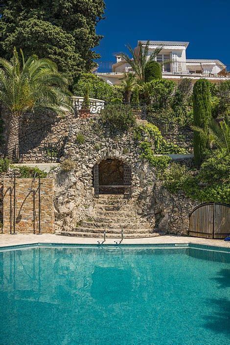 sean connerys  luxury seafront villa  nice