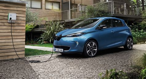 renault zoe 2017 renault zoe removes last quot psychological barrier quot to