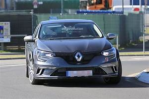 Megane Iv Rs : renault is testing the 2018 megane rs prototype on the nurburgring autoevolution ~ Medecine-chirurgie-esthetiques.com Avis de Voitures