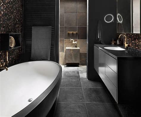 vasca da bagno mobile bagno bianco e nero design e tendenze per uno spazio
