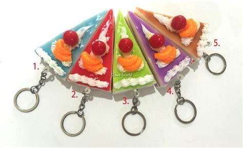 Kue Tart Mini Segitiga jual squishy kue tart segitiga skuisi squishi keychain