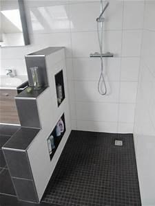 Dusche Nachträglich Einbauen : bad mit ebenerdiger dusche eckventil waschmaschine ~ Michelbontemps.com Haus und Dekorationen