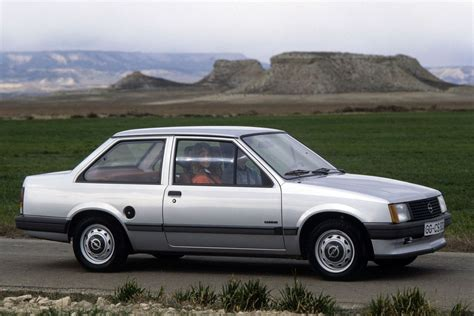 opel corsa tr 1983 pictures 2 of 4 cars data
