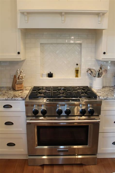 granite white alaskadelicatus cabinets brookhaven
