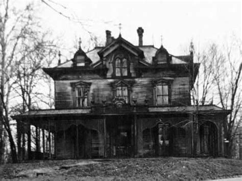 black  white abandoned haunted house pictures