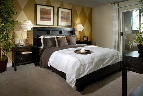 bedrooms paint for a small bedroom on a budget photo file aimco apartment bedroom jpg wikimedia commons