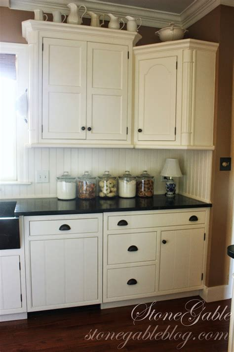 Cabinets Photos by 10 Elements Of A Farmhouse Kitchen Stonegable