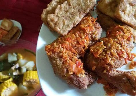 Rasanya lezat dan pedasnya sungguh menggigit. Resep Ayam geprek sambal bawang +tahu tempe crispy+sayur asem oleh Deby Selvian Zecilia Andrean ...