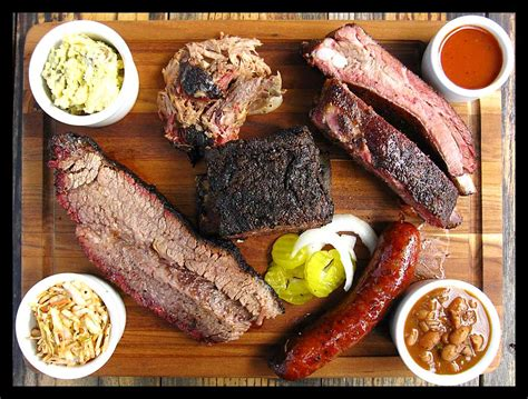 bbq city limits la barbecue cuisine texana fed walking
