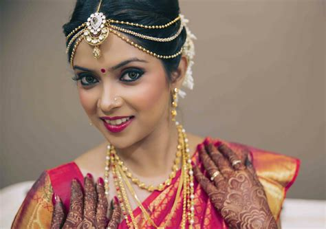 Wedding Hairstyles Indian : Simple Trending South Indian Bride Hairstyle To Try On