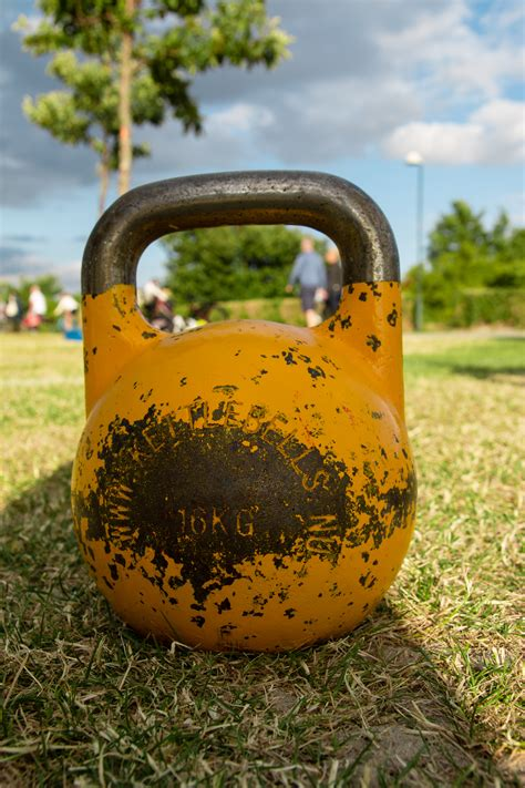 kettlebell competition kilo weight workout bodybuilder training workouts commons wikimedia kettlebells fitness muscle wikipedia history bff let strength routine loss