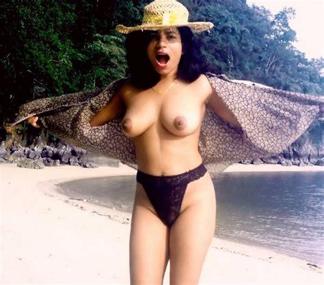 चाची की चूची और गांड की सेक्सी फोटो Desi Aunty Sex Pics