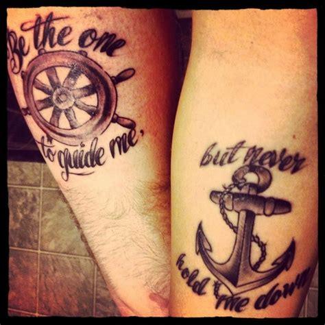 tatouage couple phrase  ancre  volant de bateau
