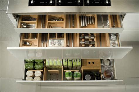 couverts cuisine rangement couverts tiroir cuisine dootdadoo com idées