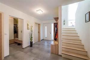 Eingangsbereich Haus Neu Gestalten : eingangsbereich im haus gestalten ideen ~ Lizthompson.info Haus und Dekorationen