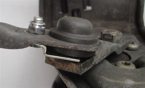 mechanic windscreen wiper linkage repair plate