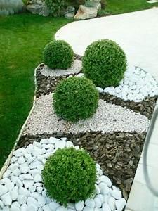 allee de jardin en cailloux 14 cr233ations dall233es et With amenager un jardin paysager 15 creer un jardin de topiaires un jardin de buis