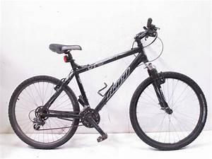 Haro V Series V1 Menu002639s Mountain Bike Property Room