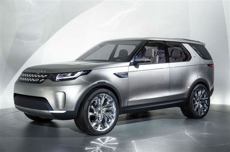 land rover  green light  discovery sport