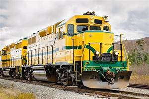 What is a Freight Train? (with pictures)