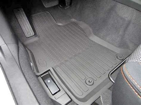 subaru xv crosstrek  weather floor liners part