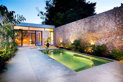 dise 241 o de exteriores 2 patios modernos con pileta