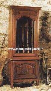 Armoire Armes De Chasse by Armoire Normande Merisier R 201 F Chambord