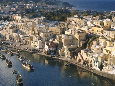 Naples Italy Find Great Hotel Room Deals