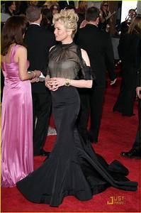 Renee Zellweger - Golden Globes 2009: Photo 1645231 ...
