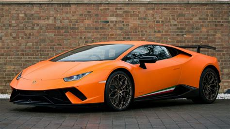Lamborghini Huracan Backgrounds by Lamborghini Huracan Wallpapers Pictures Images
