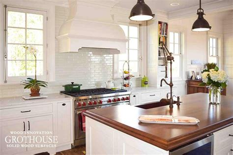 how to stain kitchen cabinets 1000 ideas about cherry wood kitchens on 8912