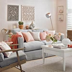 1001 idees deco originales pour le salon rose et gris With tapis yoga avec plaid beige pour canapé