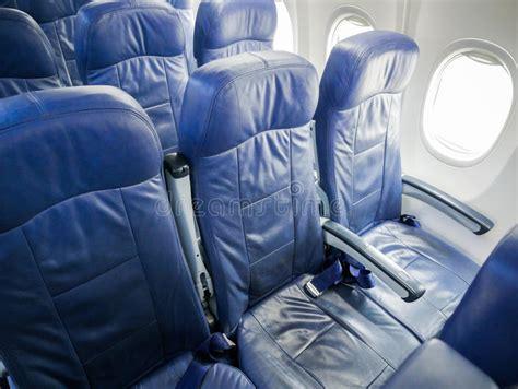siege avion intérieur des sièges de passager d 39 avion image stock image du reposez décor 98710479