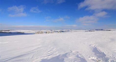 chalets de l aubrac photo paysage de l aubrac en hiver 1703 diaporamas images photos