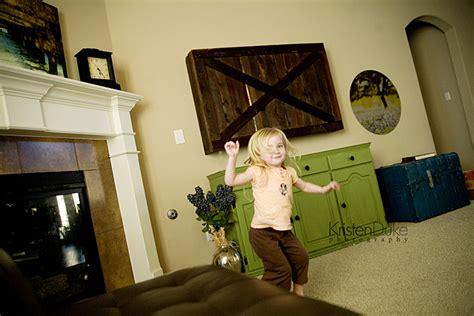 Sliding Barn Door Tv Cover by Sliding Barn Door Tv Cover Tutorial