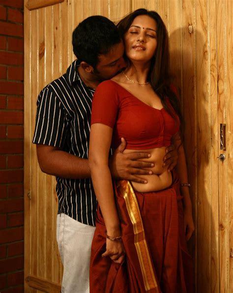 Indian Actress South Indian B Grade Actress Archana Shanthi Hot Saree In Shanthi Apuram Nithya
