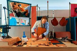 """Hermès at Work"""