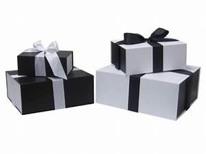 Grosse Boite Cadeau : bo tes cadeaux contact prindis ~ Teatrodelosmanantiales.com Idées de Décoration