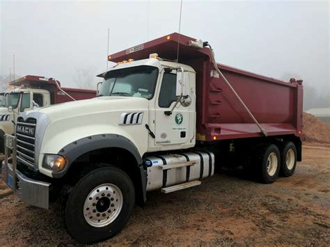 2017 Mack Gu713 Dump Truck For Sale