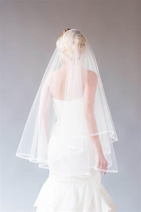 One Tier Fingertip Length Vintage Ivory Tulle Bridal Veil