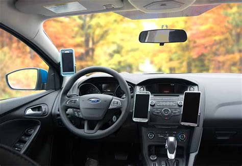 Ford Focus Dashboard Phone Mounts and Holders