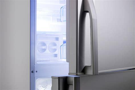 Refrigerator Maintenance by Refrigerator Door