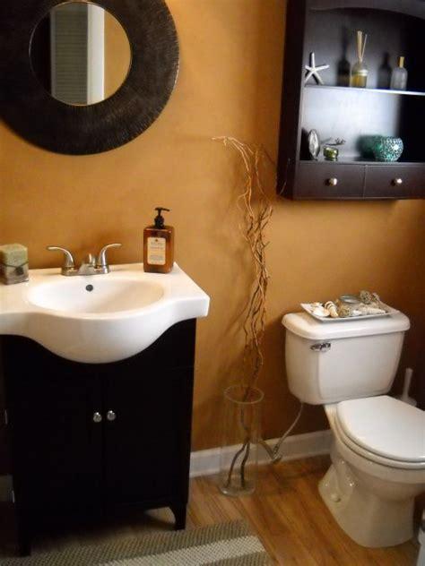 Bathroom Decorating Ideas Cheap by Half Bath This Half Bath Was Designed On A Budget I Got