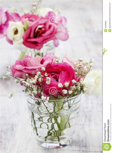 decorazioni vasi mazzi minuscoli in vasi di vetro decorazioni floreali di